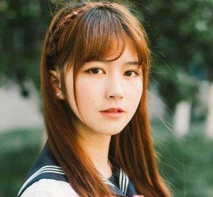 圆脸女孩绑什么发型更好看 圆脸怎么扎头发教程都在不难的