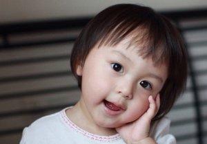 2-3岁幼儿发型怎么剪 被女童承包的短发发型还没试完