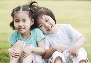 小女孩都是怎样扎头发的 更好看的儿童扎发发型有教程
