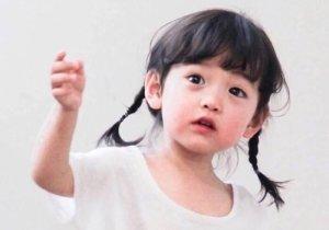 小宝宝有哪些合适的发型图片 女童发型太难了学三年都毕不了业