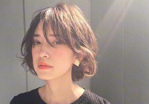 四十岁的女人剪什么短发好看不重要 带气质的中年短发剪了如虎添翼