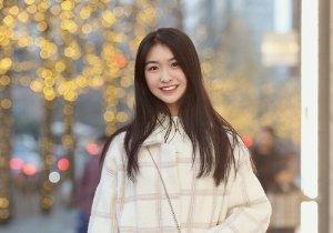 过了24岁大脸女生赶紧拒绝齐刘海 热点女生长刘海修颜塑型两不误