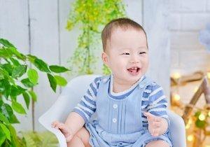 给男宝宝剃寸头的几种造型 0到1岁男宝宝剃寸头天真活泼更好打扮