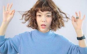 <b>从短直发到泡面头自己在家搞定 女生自己烫头发DIY教程学起来</b>