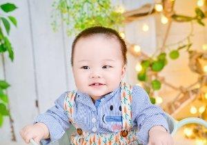 寸头让男宝宝的小胖脸露出来好萌 一岁小男孩梳寸头这样打扮很抢镜