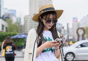 <b>刘海不止修颜!2021年女生最火刘海发型图片,搞定刘海做最美自己</b>