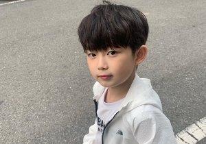 5岁圆脸男孩剪齐刘海短发真帅 秋季韩式男童齐刘海蘑菇头的新剪法