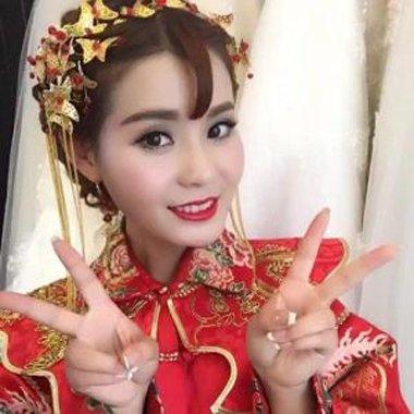 带刘海的秀禾新娘发型 齐空气刘海秀禾服发型