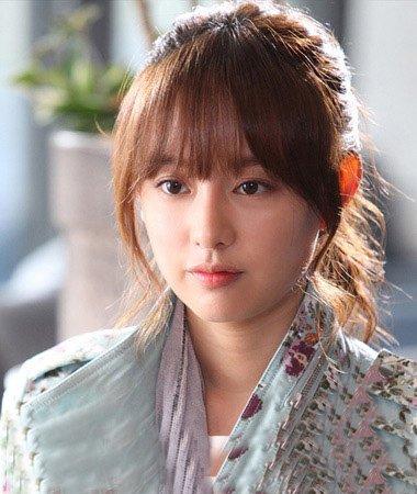 明星扎马尾两边留鬓角 韩式鬓角怎么处理能让你变的潮流时尚