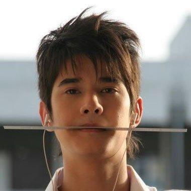 男生初恋脸的特点 男生标准初恋脸发型图感觉非常的帅