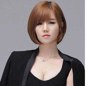 额头窄下巴短适合什么发型 额头窄两腮宽下巴短适合的发型