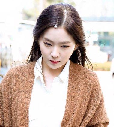 irene短刘海造型 Irene的夹子发型梳法你学会了吗