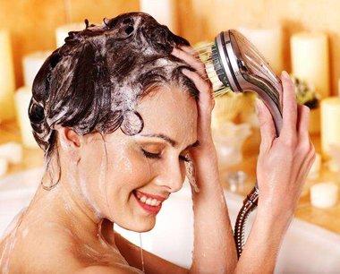 女生头发分叉用什么护发素 头发分叉女生使用护发素方法