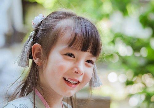 9一10岁女孩漂亮简单古装扎发look 秋天穿汉服这样扎头发美腻清新