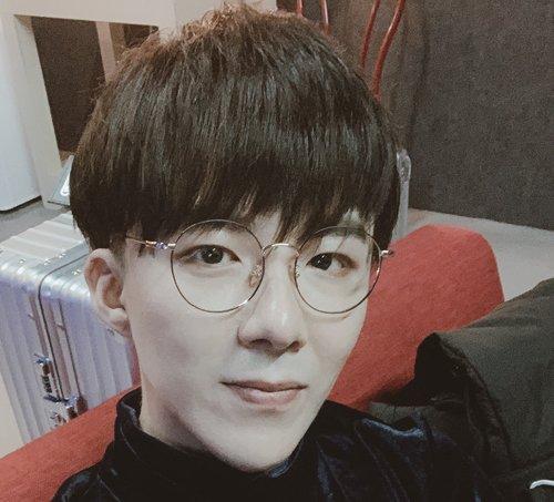 2021年男生齐刘海蘑菇头全新玩法上线 于呆萌中凸显男生暖男本质