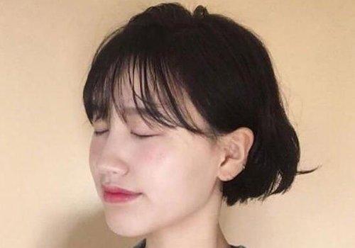 40岁的圆脸女人还能剪短发吗 没有比短发更减龄的发型40岁同理