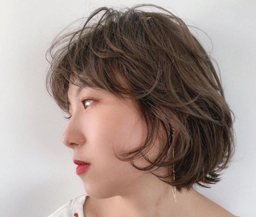 后脑勺扁平女生更适合梳短发 时尚气质内扣波波头是你最佳发型