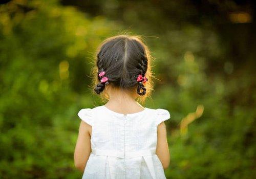 小女孩的扎发发型有简单款吗 女童扎发方法都给了怎能学不会