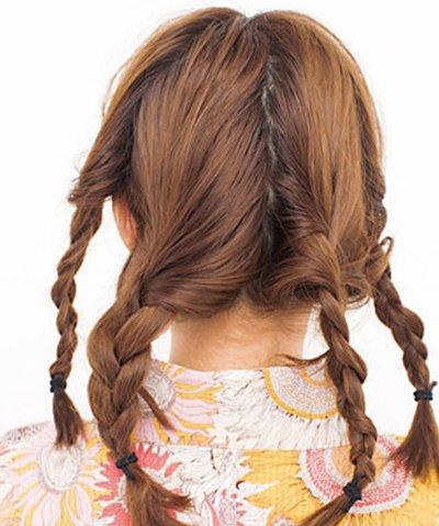 梳日系盘发从z字分开始 秋季女生五分钟z字分发型扎法图解步骤