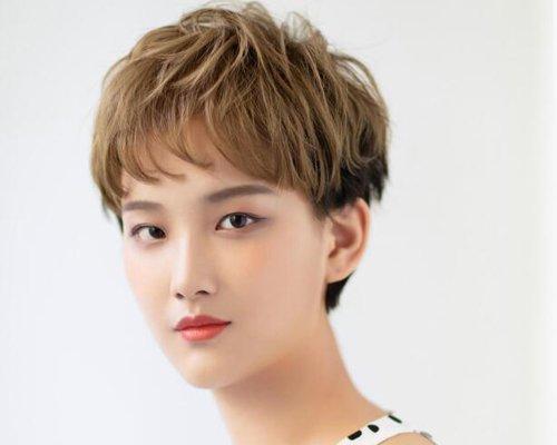 秋季长脸女生刘海短发最新款 35岁以上长脸女士马起来减龄修颜