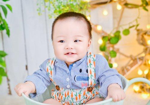 2021年4岁以下男宝宝推头造型 或个性或简约的短发让儿子更帅