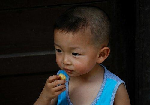 7个月男宝宝适合剪什么样的发型 小孩多小都能找到最好看发型