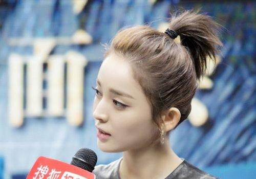 超短发女孩有扎发法宝 超简洁扎短发发型步骤提神醒脾