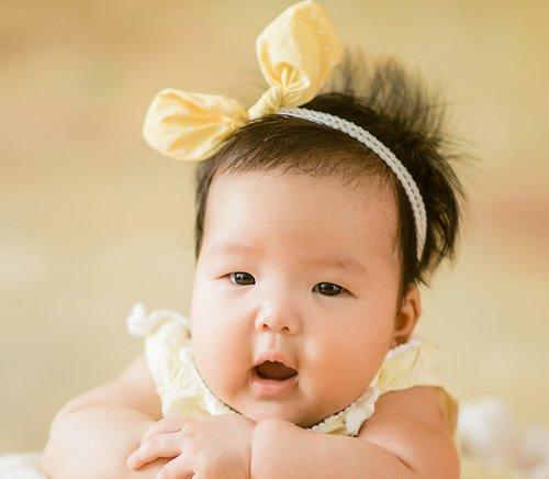 女儿是寸头光头怎么办,发卡不必考虑,发带能套在头上是最佳选择