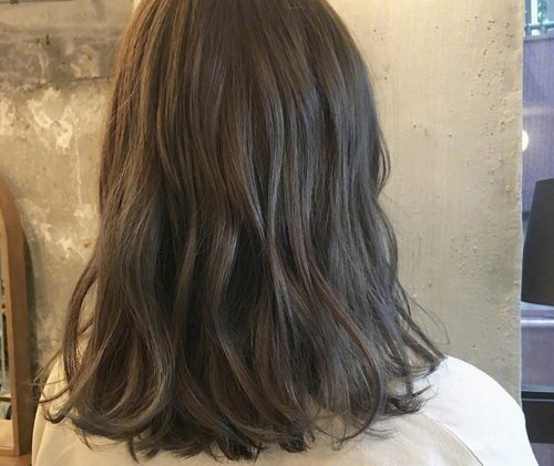 剪了中长发烫什么卷好看 先烫卷后修型才是中长卷发最好方案