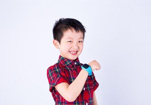 四岁男童发型怎么做 照着帅气小男孩发型图片剪方便许多