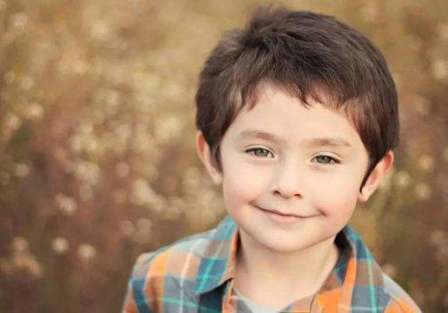 还在给3岁小男孩剪寸头过时了 男童发型幼龄期往帅气方向整