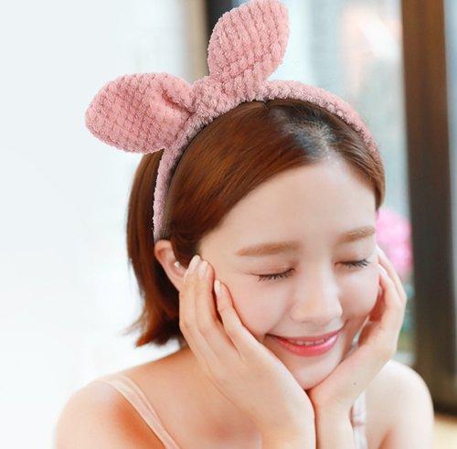 秋季短发女生戴发带新技巧get 甜美时尚发饰让你的短发更有看头人更美