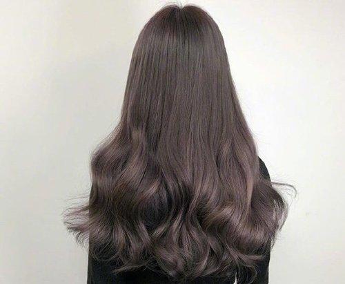 女生头发发尾剪什么样才好看图片 只会挑齐发尾和碎发尾多有不妥