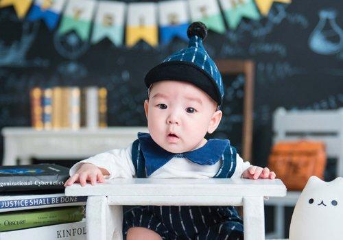 男宝宝头发剃光怎么打扮不low 戴顶创意可爱帽子光头消失不见