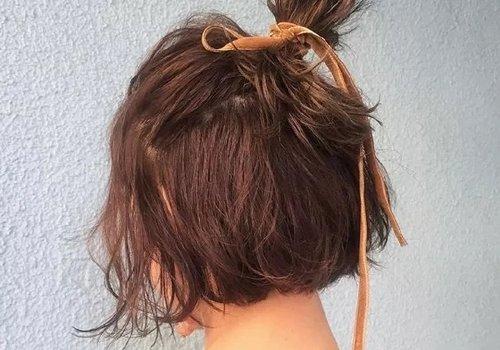 怎样扎看起来时尚的短发发型 短发女孩子为了做扎发费了不少心思