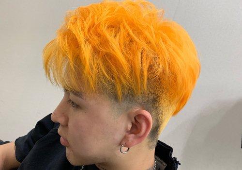 21年潮男最爱的双色染发发型上线 短发染两个颜色就是这么个性